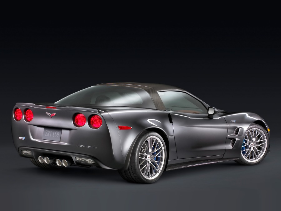 2009-Chevrolet-Corvette-auto-entry