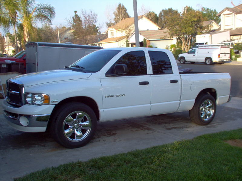 dodge-ram-1500-2005-vehicle