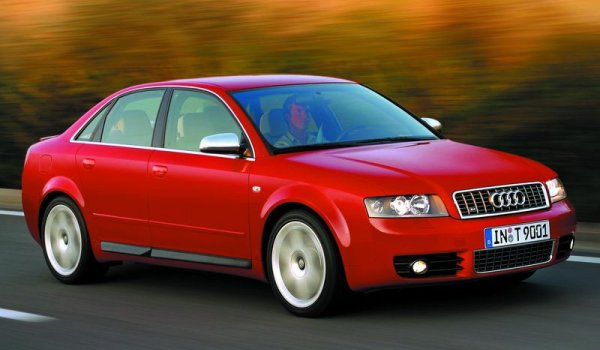 2002-Audi-s4-Key-and-remote